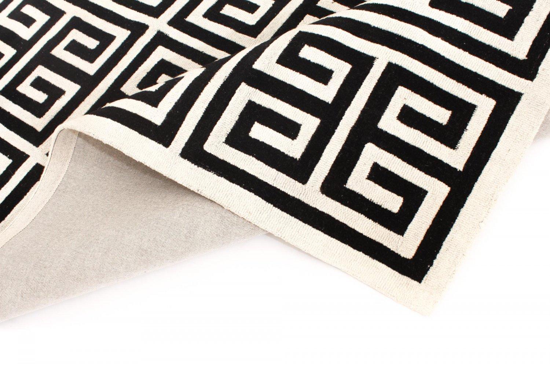 Wool rug gimari black white wool rugs for Black and white wool rug