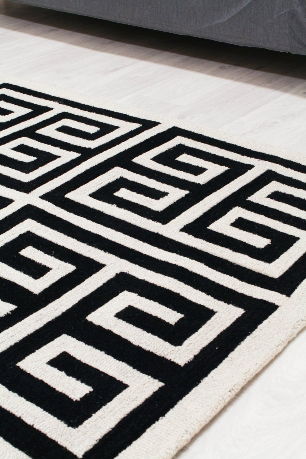 Wool Rug Gimari Black White